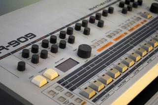 Tonebuilder FR-909