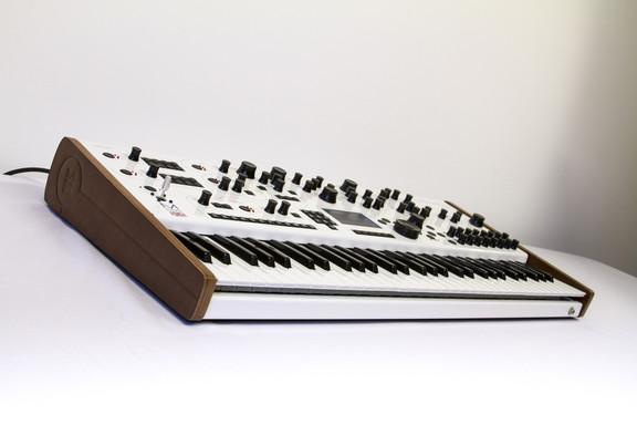 Modal Electronics modulus.002