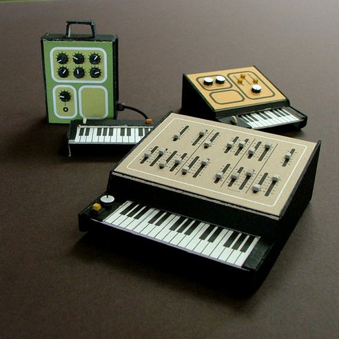 Daniel McPharlin's minitiature cardboard synth models