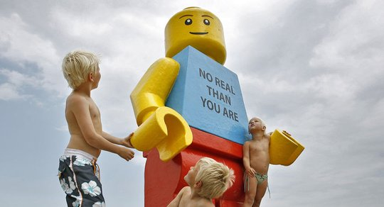 Giant Lego man found at Dutch Zandvoort beach
