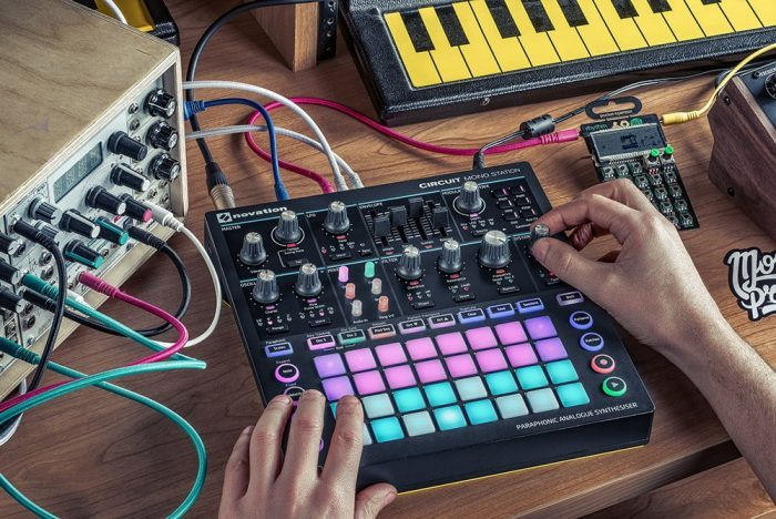 Novation Circuit Mono Station feat