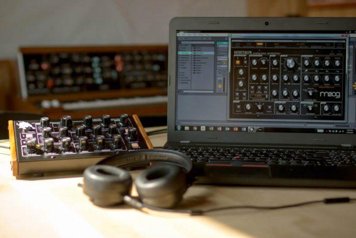 Moog Music Minitaur Update