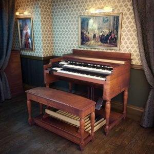 8Dio Hammond Vintage Organ feat