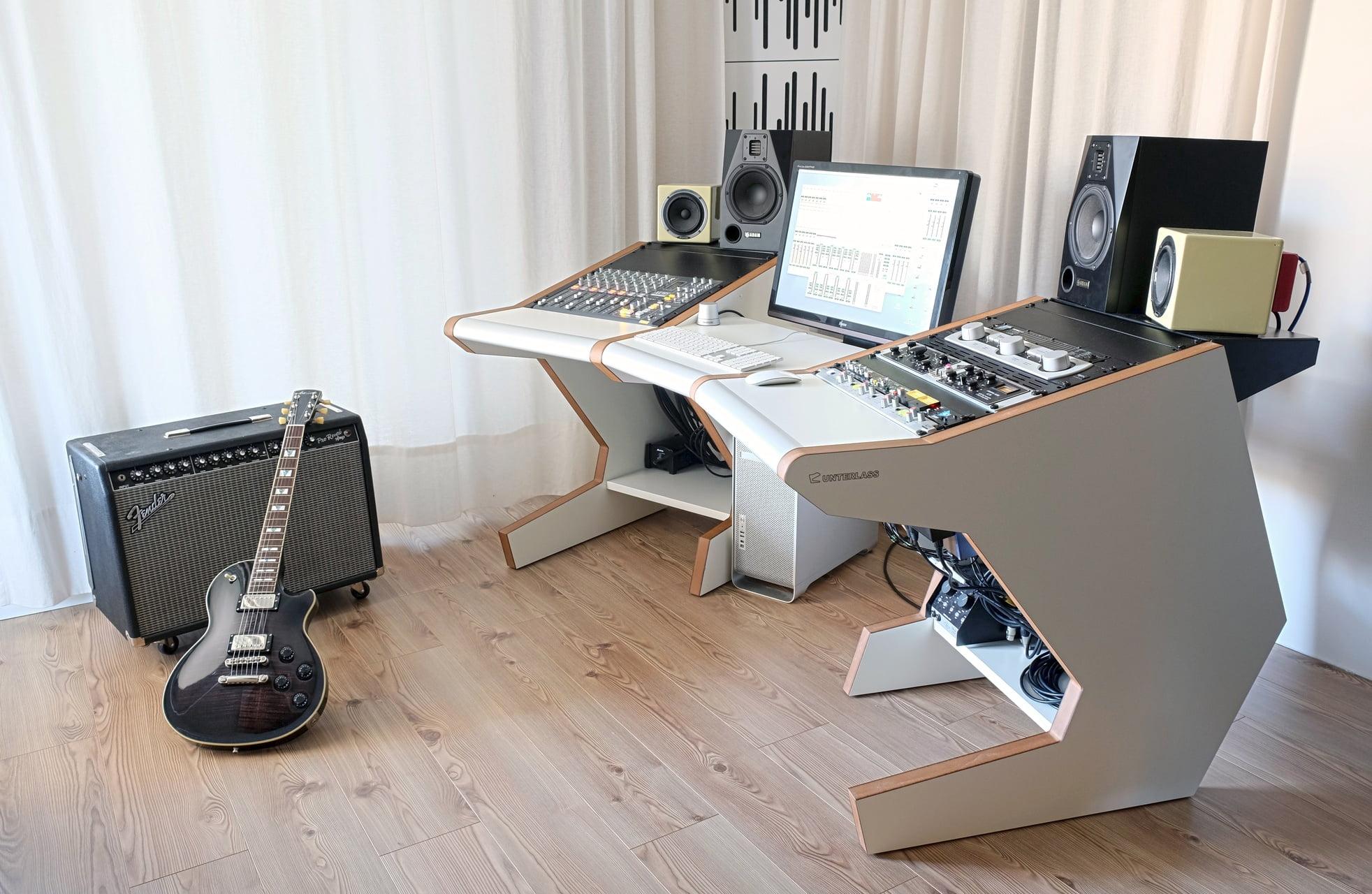 Unterlass studio furniture announces singledesk 40 for Studio design muebles