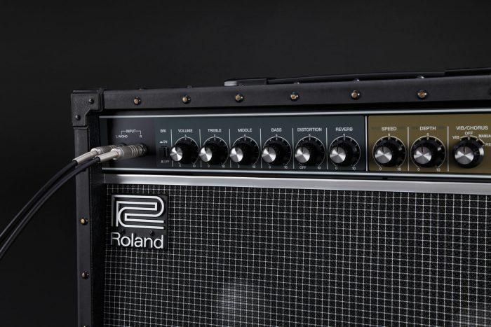 Roland JC-40 angle