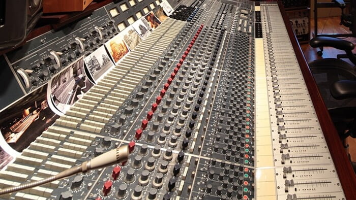 Neve 8028 in Hansa Tonstudio, Berlin