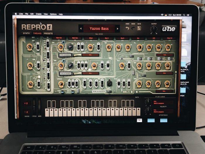 u-he RePro-1 guts Torino
