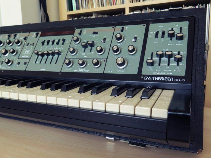 Roland SH5