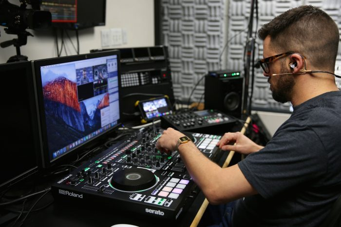 Matthew Chicoine of Roland Corporation U.S. leading an interactive DJ-808 training course