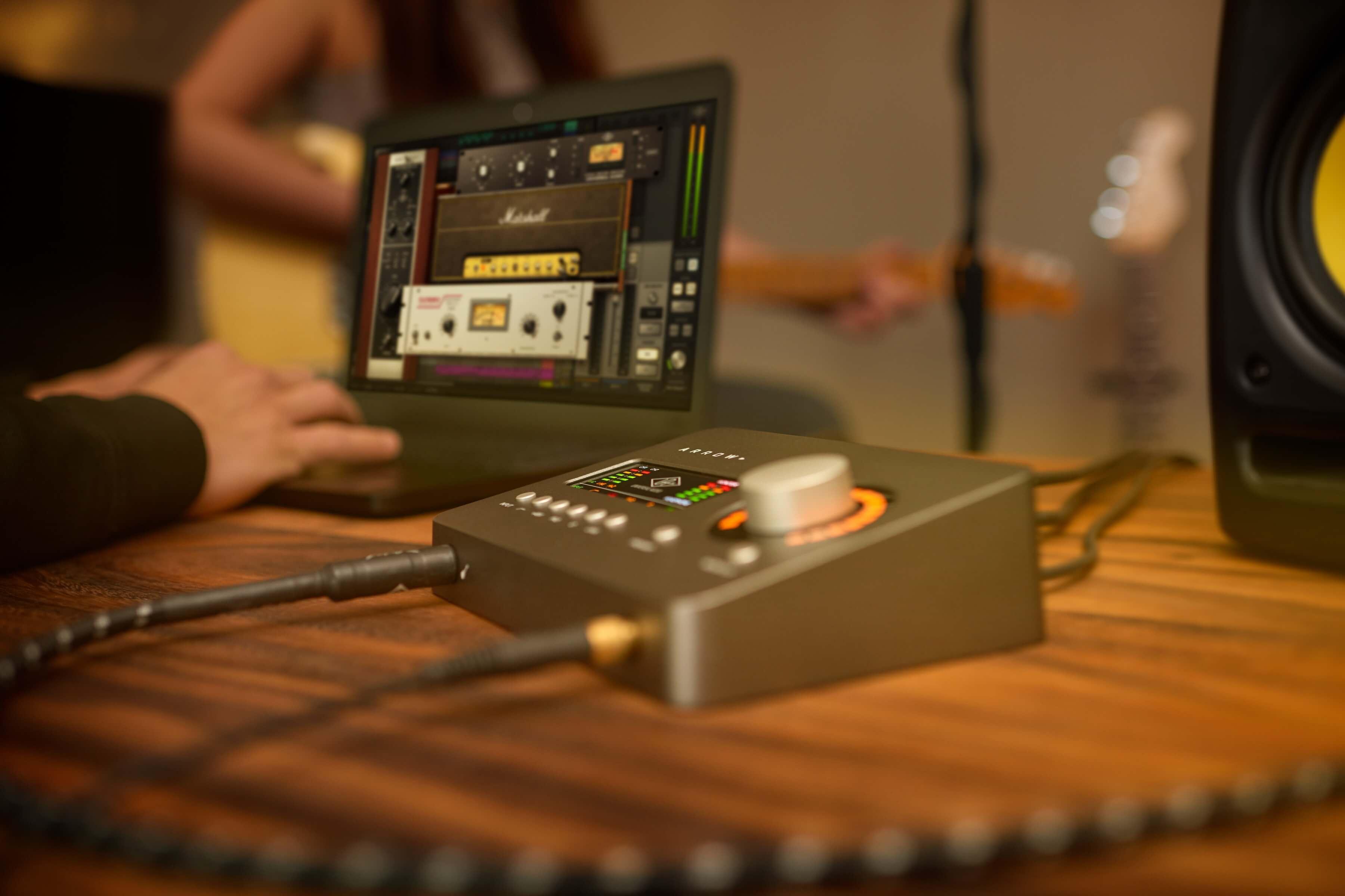 universal audio ships arrow desktop audio interface. Black Bedroom Furniture Sets. Home Design Ideas