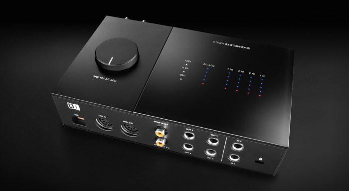 NI Komplete Audio 6 interface back