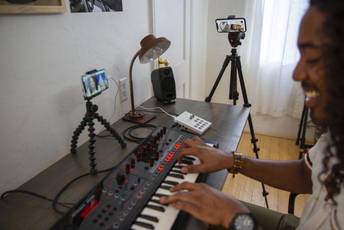 Roland GO Livecast