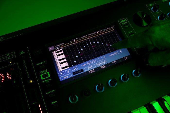 Roland Fantom touchscreen